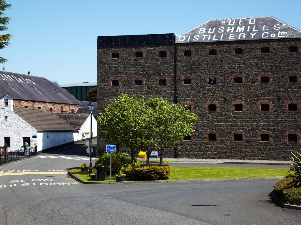 A picture of the exterior of the Old Bushmills Distillery in Antrim