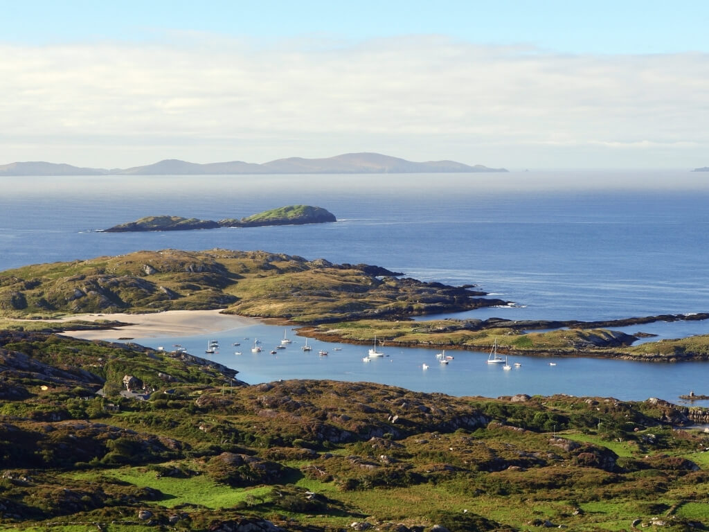A picture of the coastline along the Ring of Kerry, Ireland