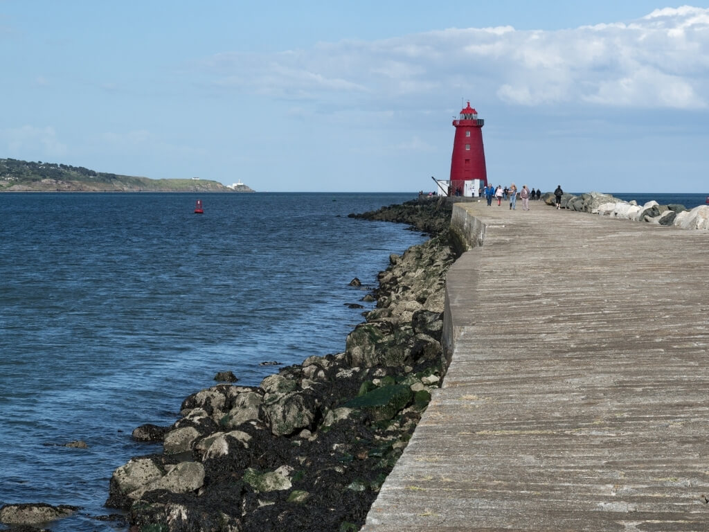 A picture of the walkway leading to the Poolbeg Lighthouse in Dublin Bay