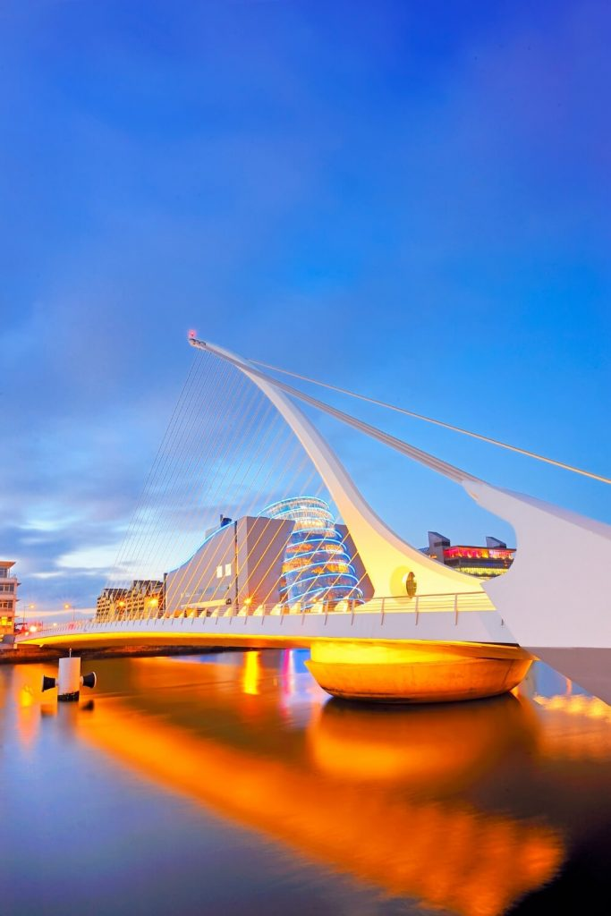 A picture of the Samuel Beckett Bridge over the River Liffey in Dublin