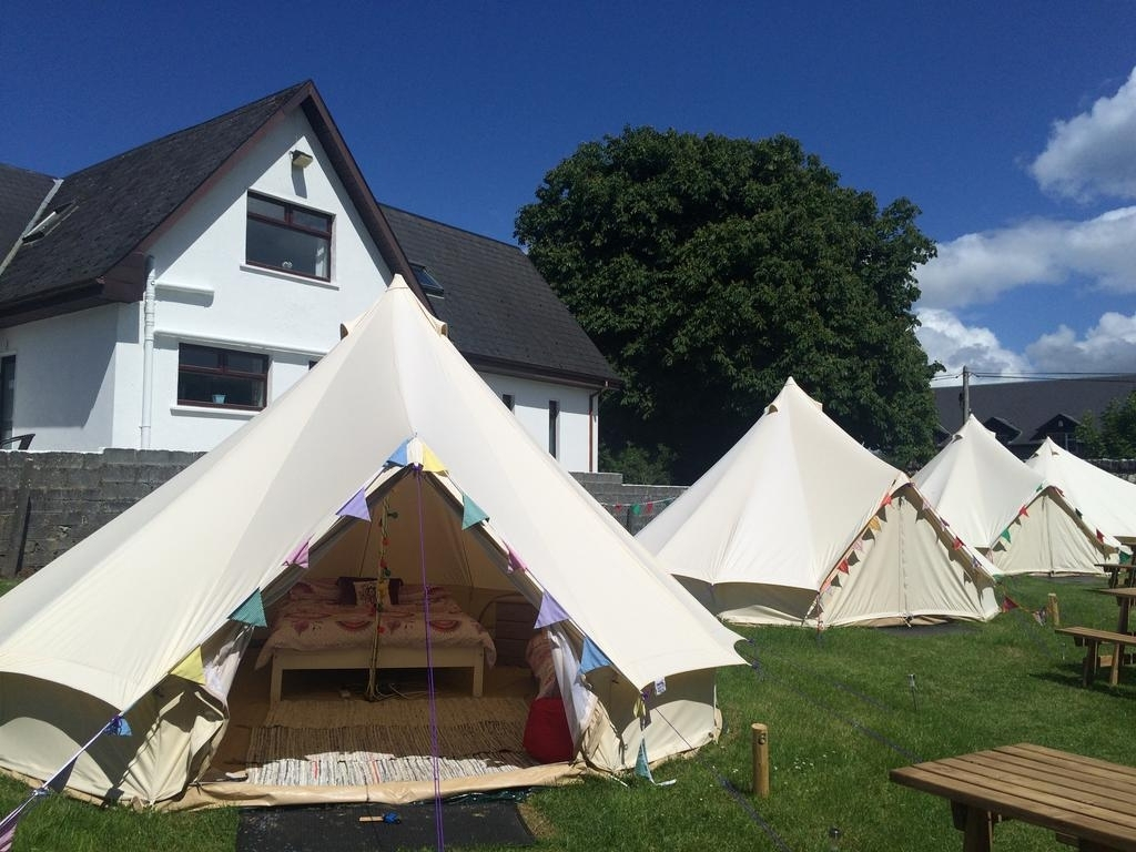 A picture of the bell tents in the field of Cong Glamping Park, Mayo