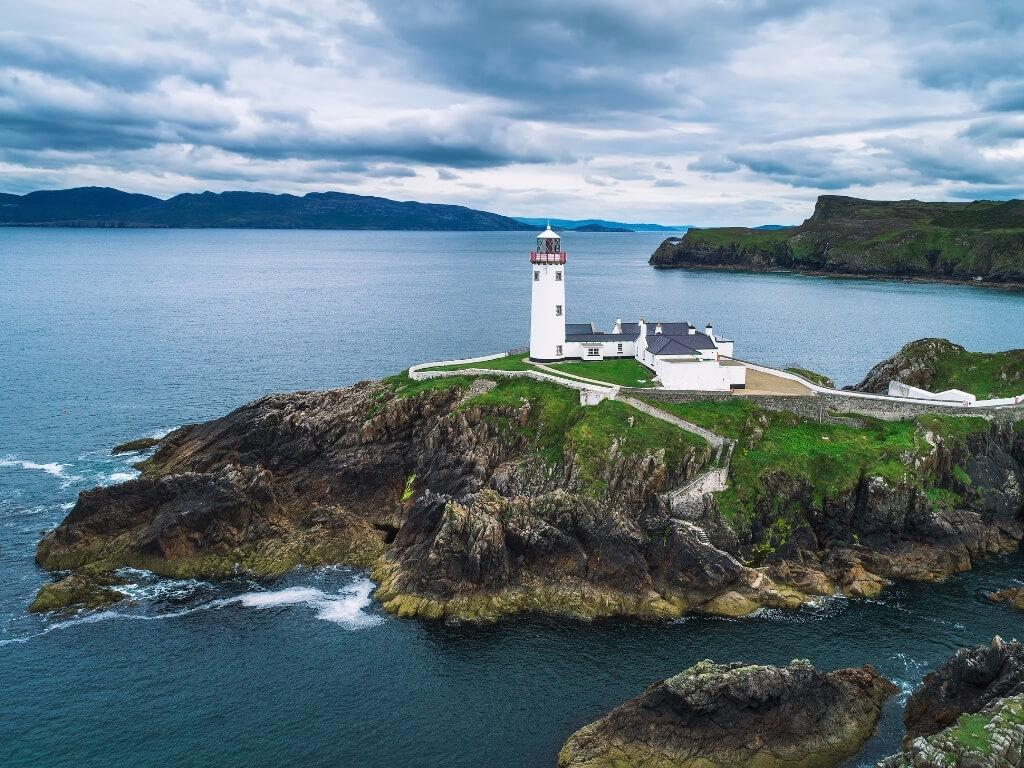 A picture of the Fanad Head Lighthouse in County Donegal, one of the best lighthouses in Ireland to visit