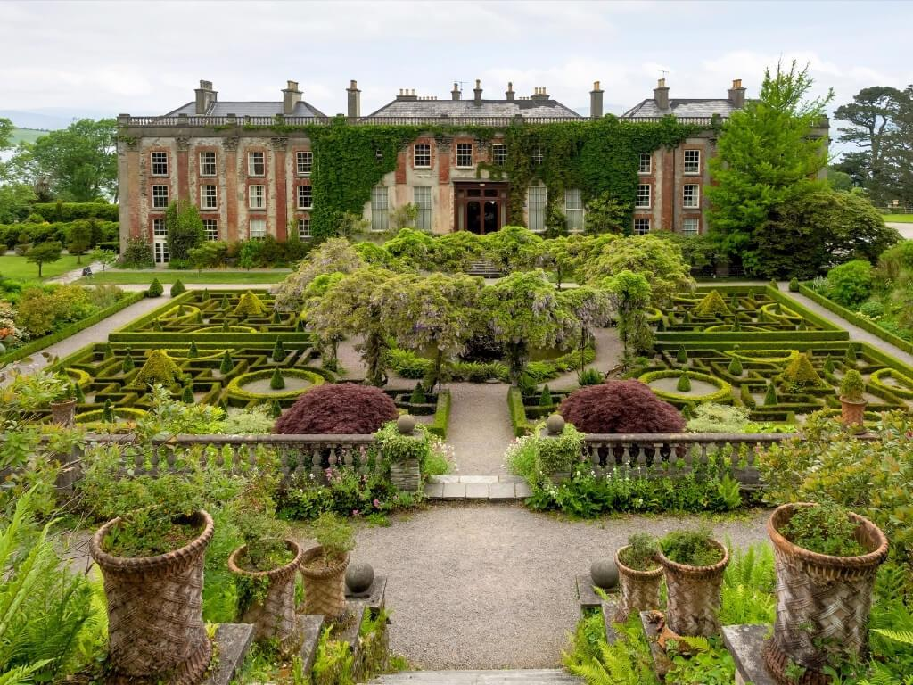 A picture of the beautiful gardens in front of Bantry House in Cork, Ireland