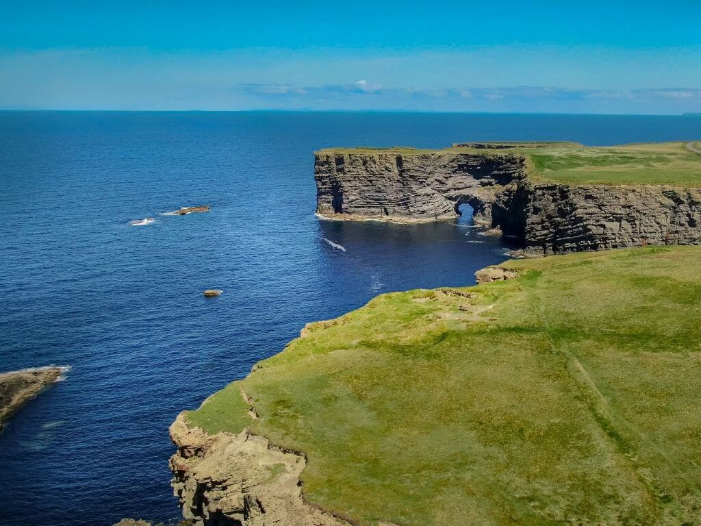 A picture of the coastline along the Kilkee Cliffs in County Clare that can be visited along the Wild Atlantic Way, Ireland