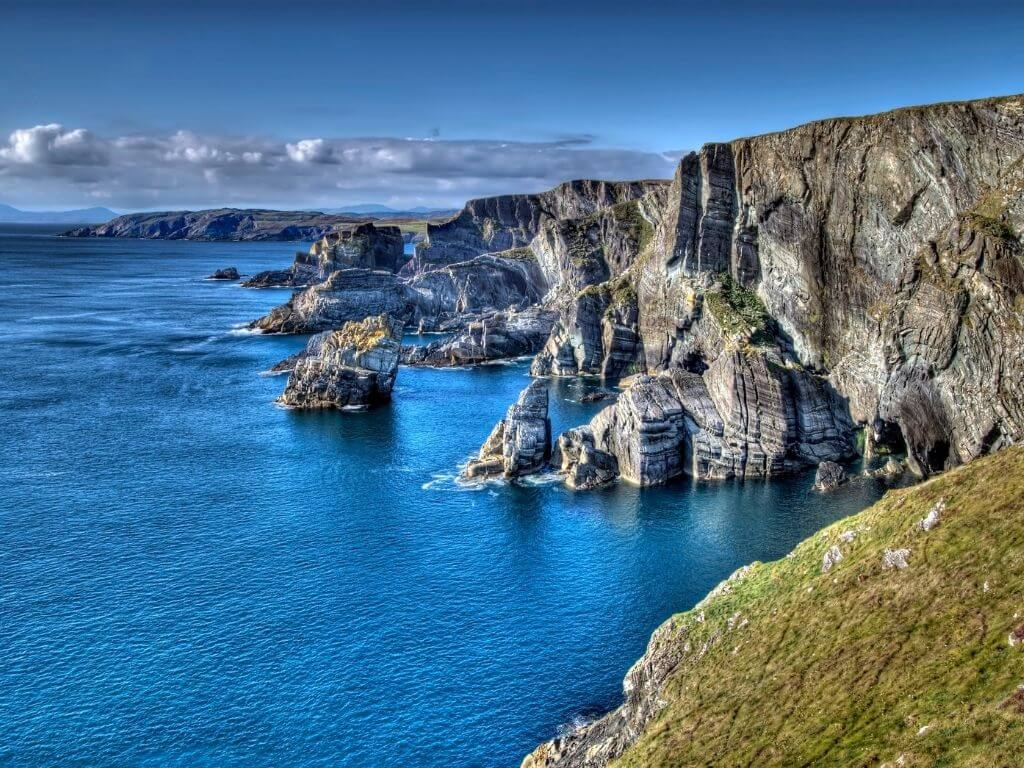 A picture of the coastline found at Mizen Head, County Cork, along the Wild Atlantic Way