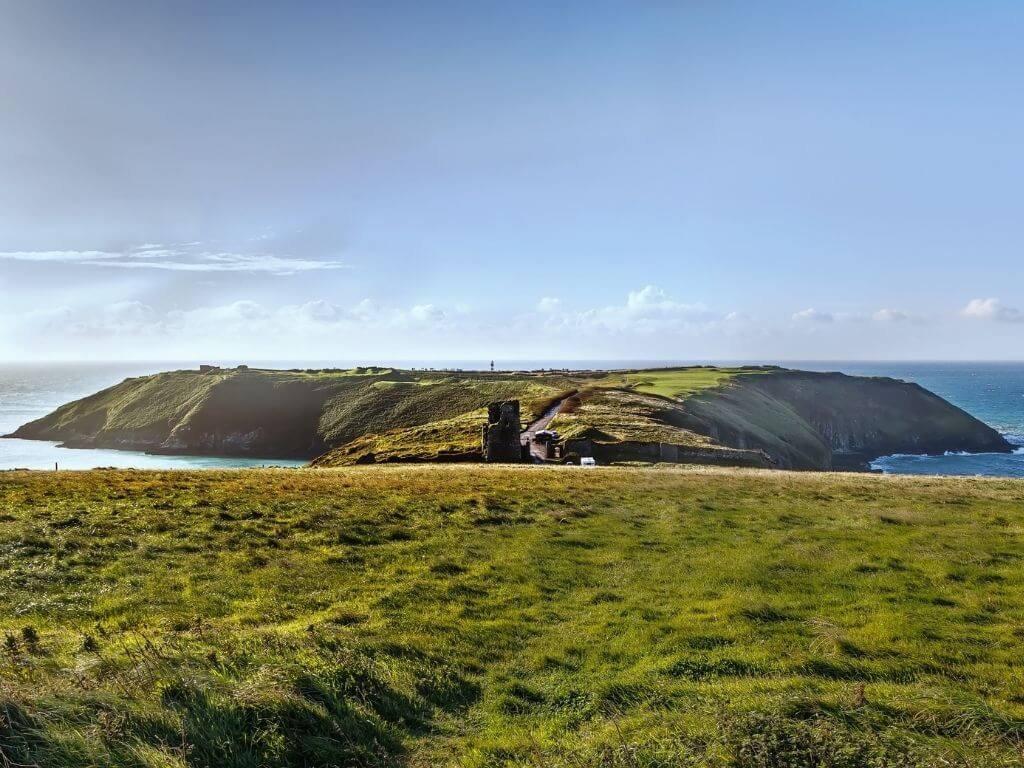 A picture of the Old Head of Kinsale, County Cork, which is the start/endpoint of the Wild Atlantic Way in Ireland