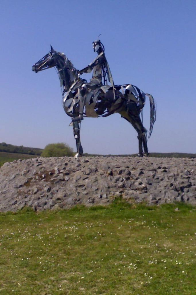 A picture of the Gaelic Chieftain Sculpture in Roscommon