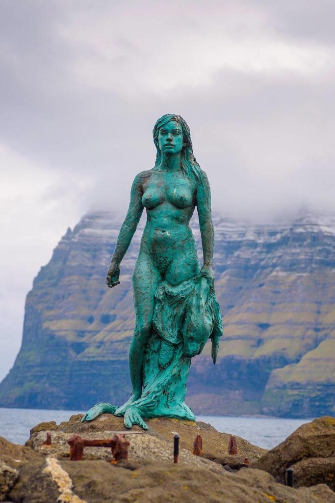 A picture of a statue of a Selkie female, often referred to as the seal folk in Irish mythological and folklore stories
