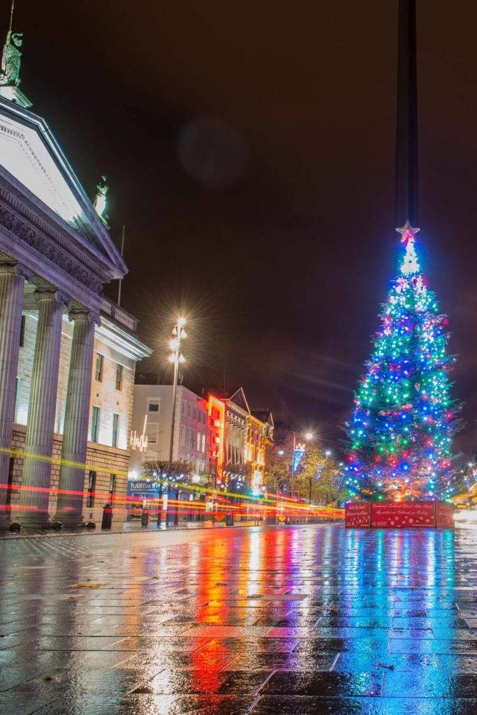 A picture of the GPO and Christmas tree outside on Dublin's O'Connell Street during the festive season