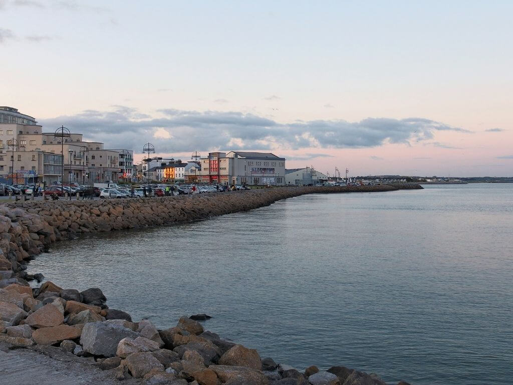 A picture of the promenade and coastline in Salthill, Galway